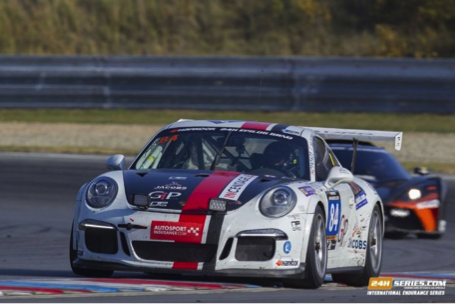 Polaris sponsors a Porsche 991 in 24 hour race in Brno